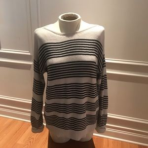 Market and Spruce striped sweater size M